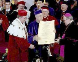 wręczanie dyplomu honoris causa